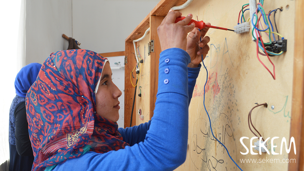 SEKEMs Vocational Training Centre opened its doors to the female pupils of the SEKEM School to give them insights into the apprenticeships available to them.