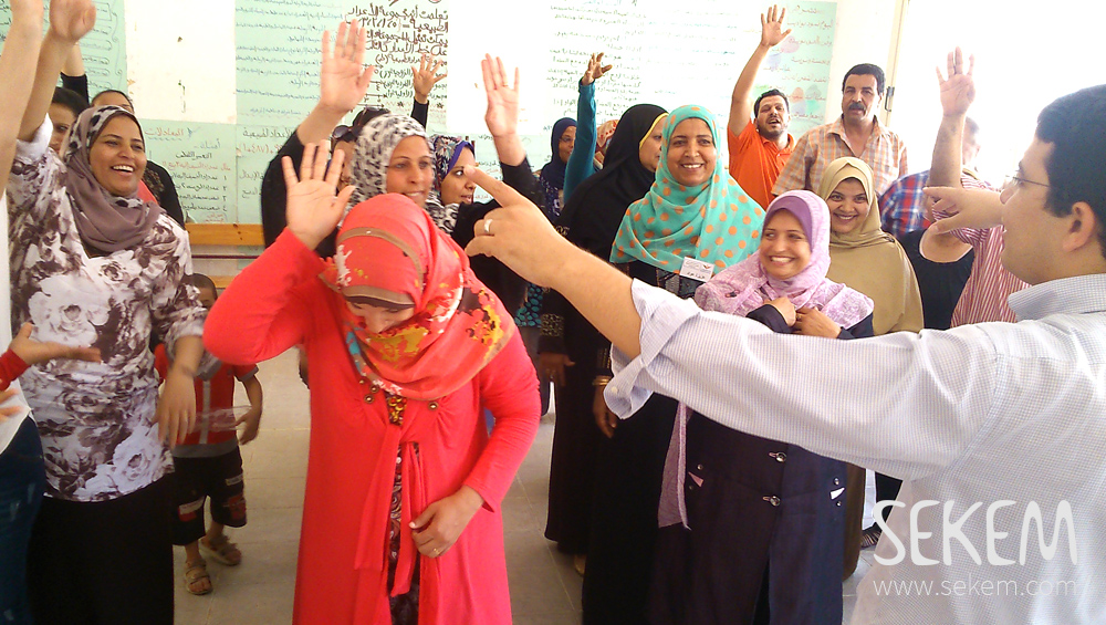 SEKEM educator, Mohamed Anwar, giving courses to teachers.