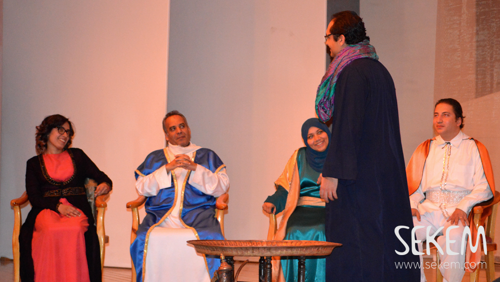 The amateur actors did not only enjoy the weekly rehearsals, they also presented their positive attitude on stage.