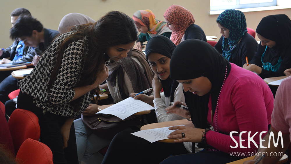 HU students solving a questionnaire containing knowledge about the gender topic