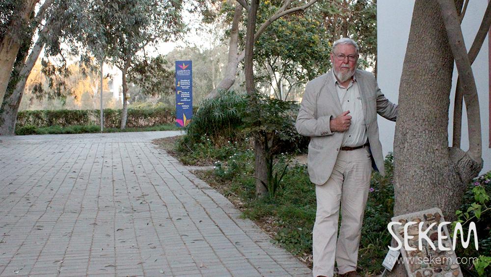 Dr. Michael Succow hielt einen Vortrag an der Heliopolis Universität für nachhaltige Entwicklung.