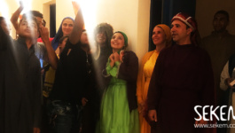"""""""Gamil w Gamila"""" Plays In The Heart of The Egyptian Desert"""